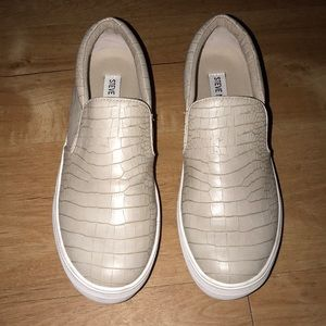 Steve Madden Tan Crocodile Slip-On's